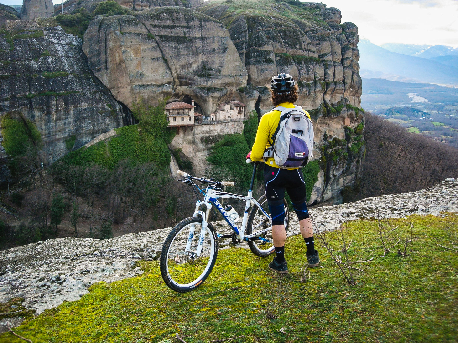 Exploring Meteora by bike