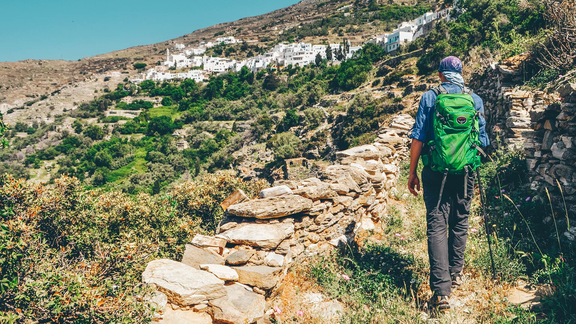 As you skirt the Livaderi plateau, you pass through villages that capture all the authenticity of Tinos