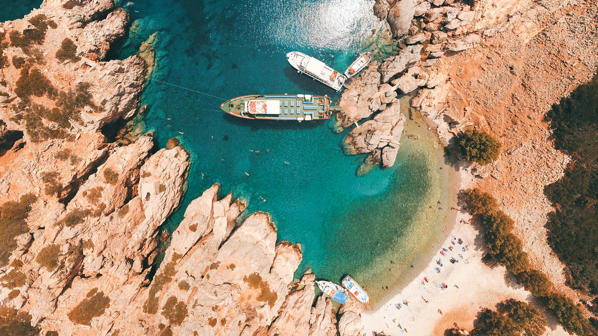 Depending on which boat excursion you take from Karpathos, your day trip to Saria will involve soaking up the feeling of freedom on the beach and swimming in wonderfully clear water