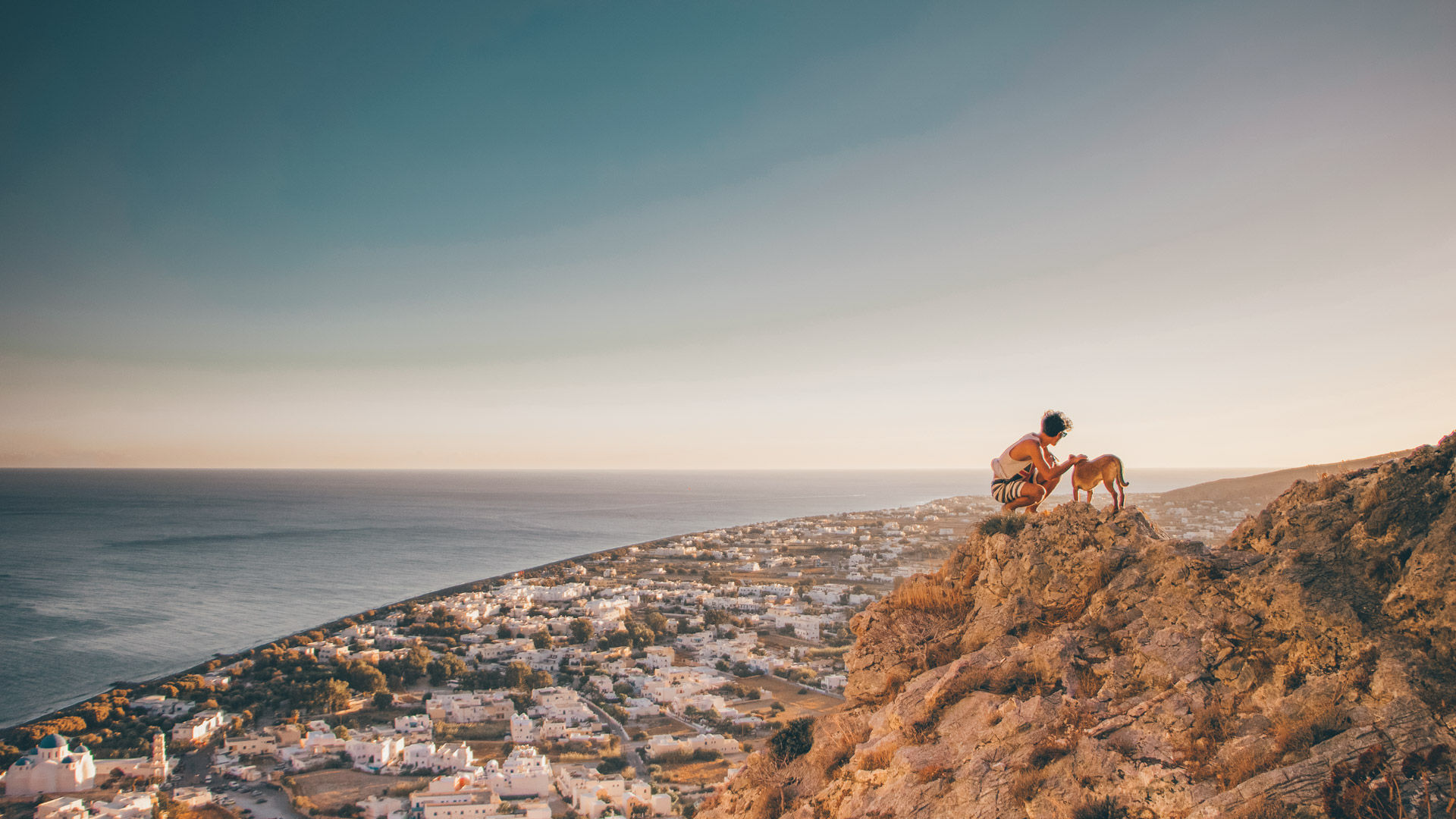 Despite Santorini's clifftop landscape, the walks aren't challenging