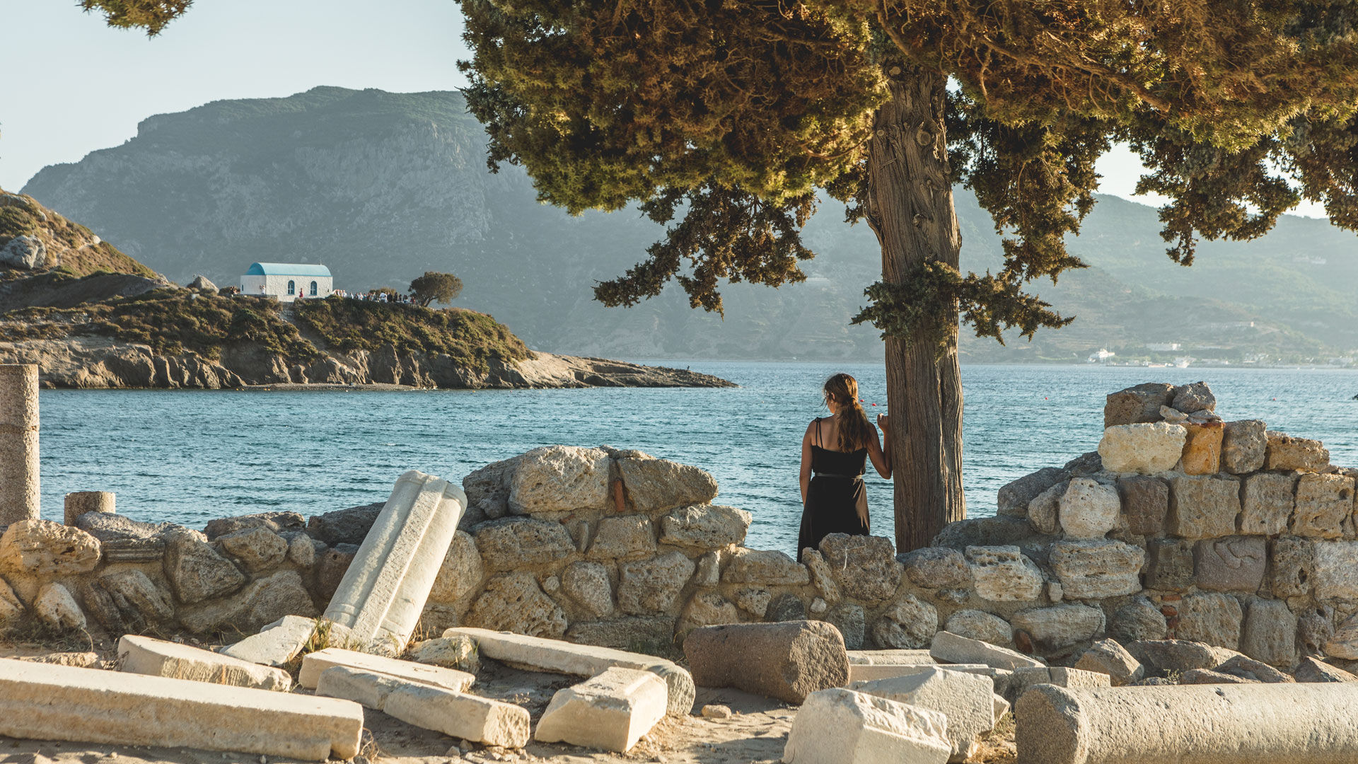If you're caught between wanting to spend the day on the beach and experiencing a bit of culture on Kos, then photogenic Agios Stefanos has you covered