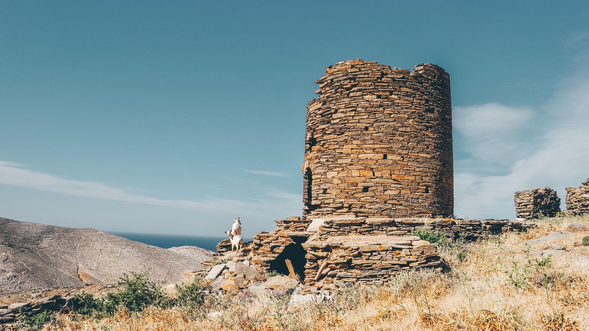 It takes no time to be captivated by the island of Tinos and its many historical highlights, which is why hiking is absolutely the best way to discover it