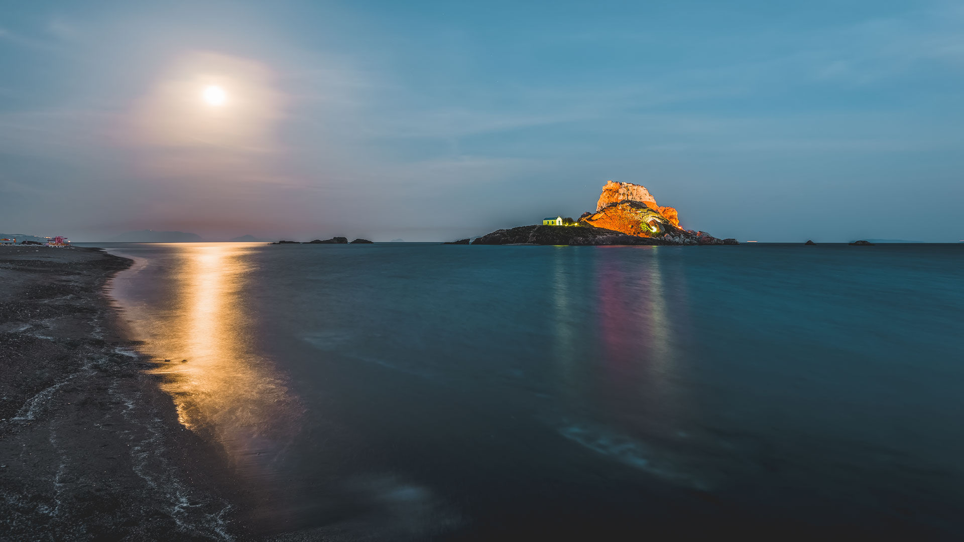 The islet of Kastri, during the night