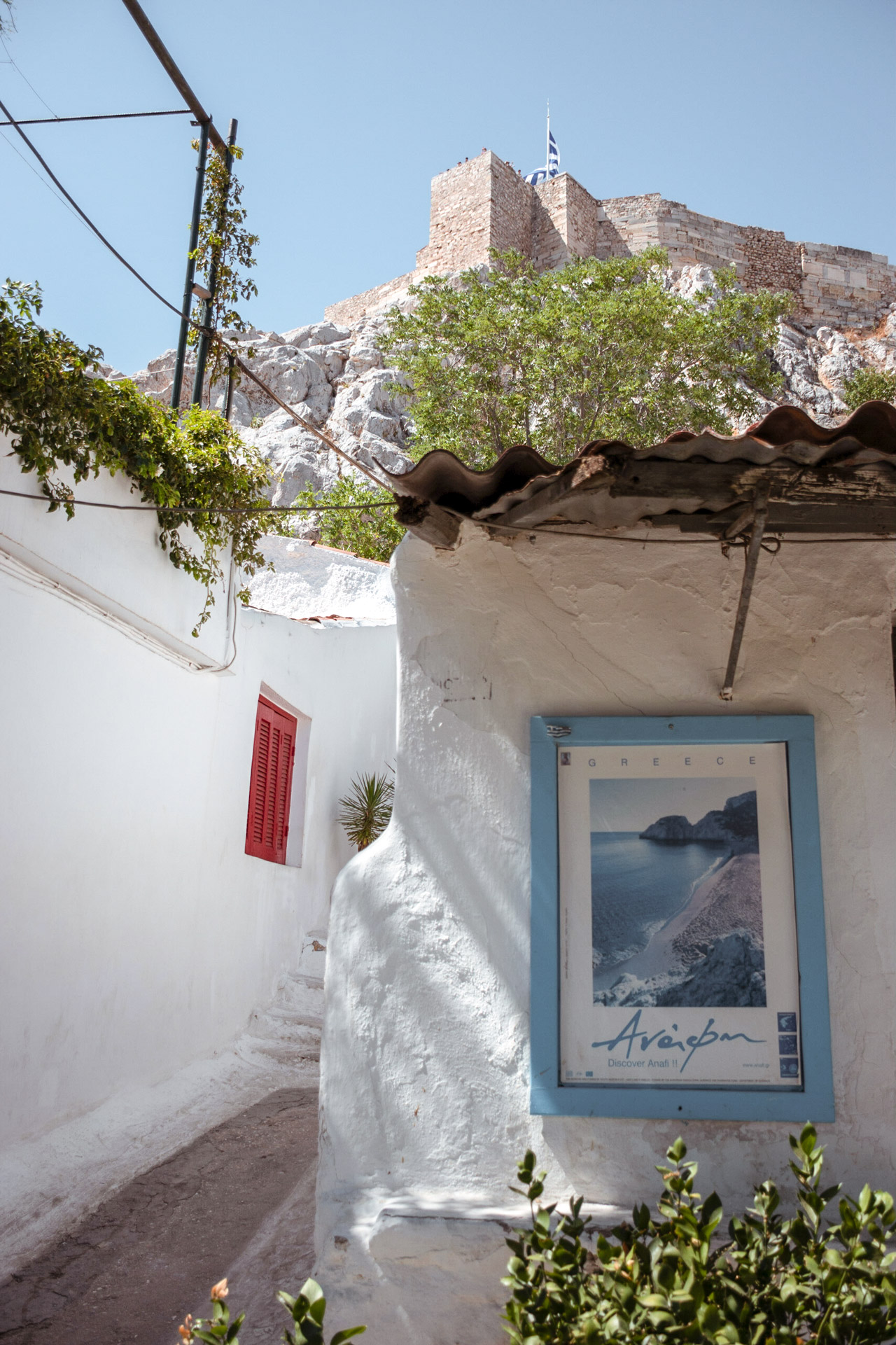 The neighborhood of Anafiotika resembles t he typical architecture of the Cyclades