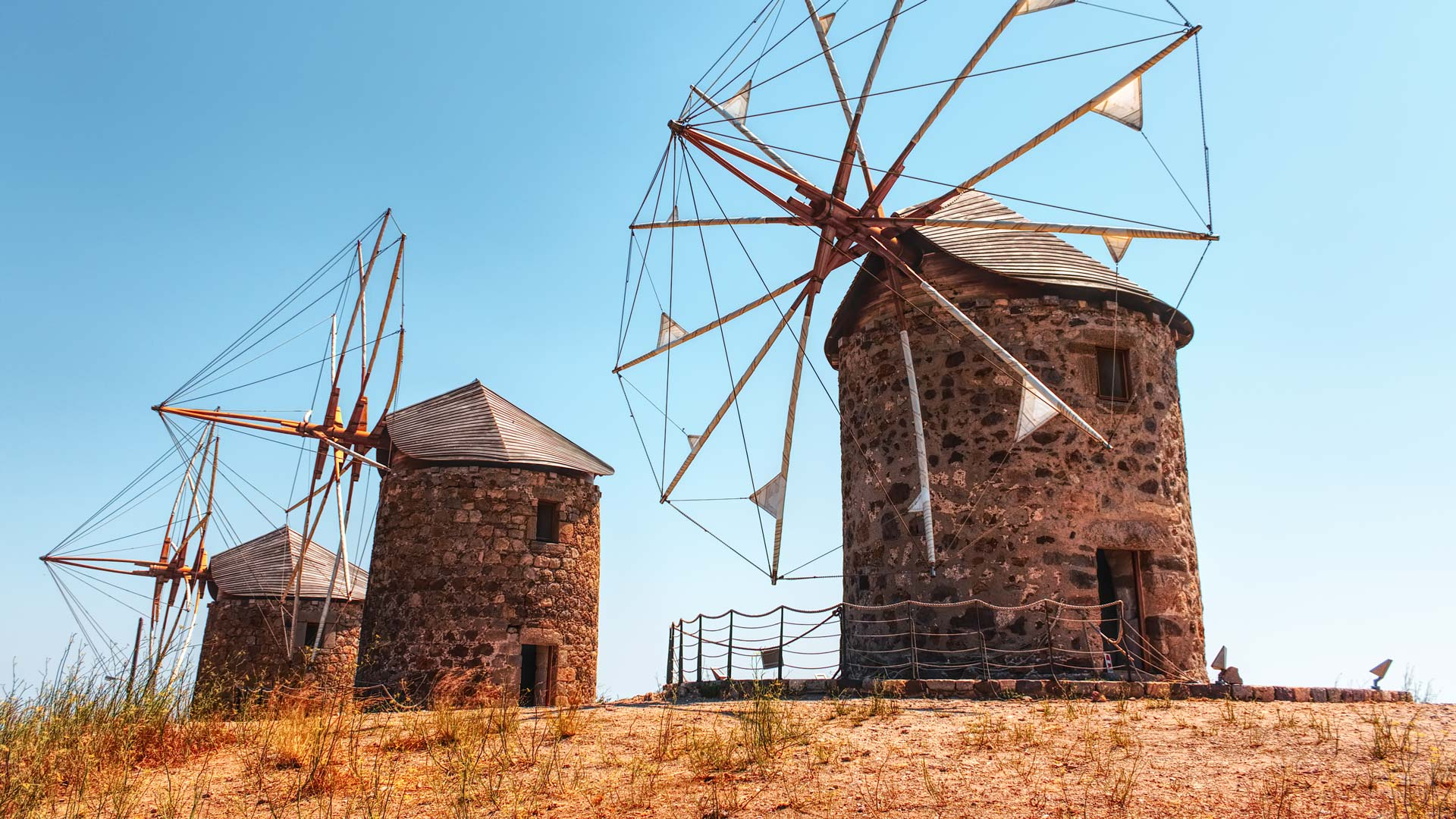 The windmills of Hora