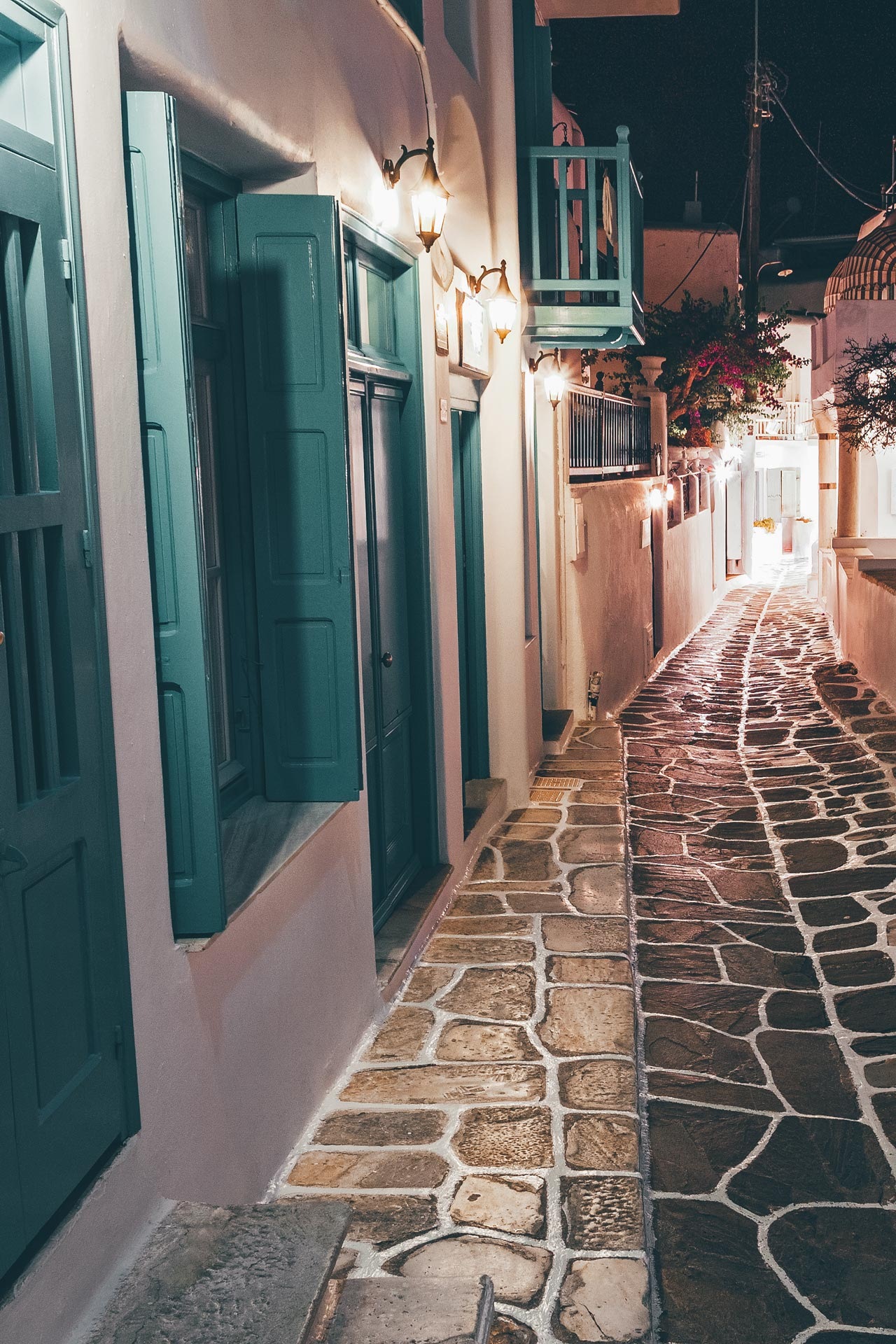 Strolling around Mykonos Hora, during the endless nights