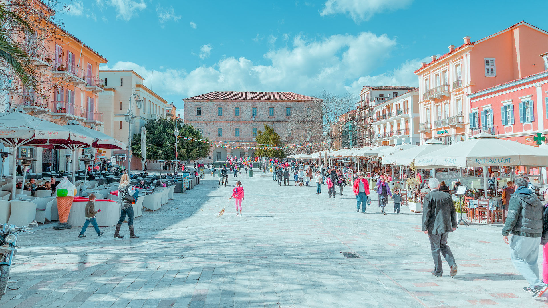 Syntagma Square, the heart of the Old Town and your gateway to many of its most important buildings