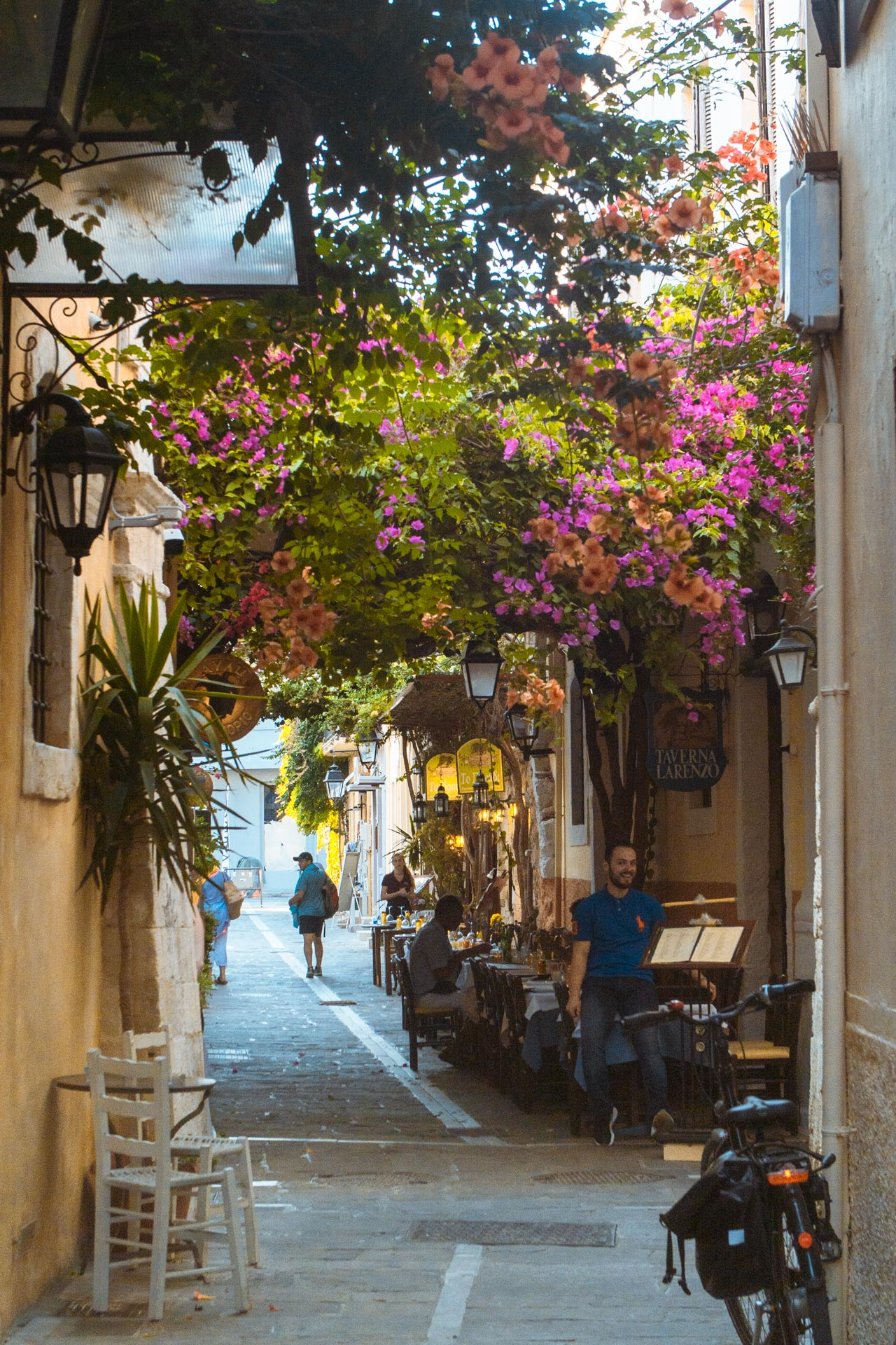 Taking a walk through the original settlement of Rethymno, is to relive its past through distinctive buildings and atmospheric alleyways