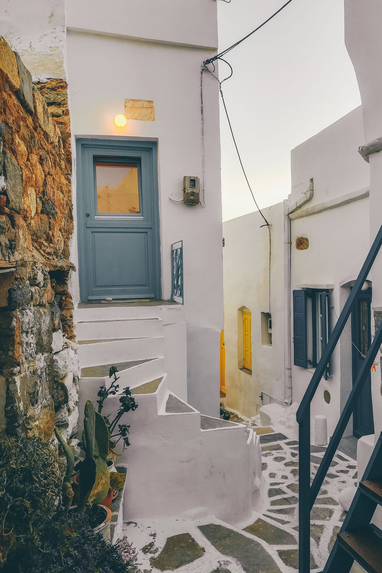 The architecture, churches and whitewashed alleyways are unmistakably Cycladic