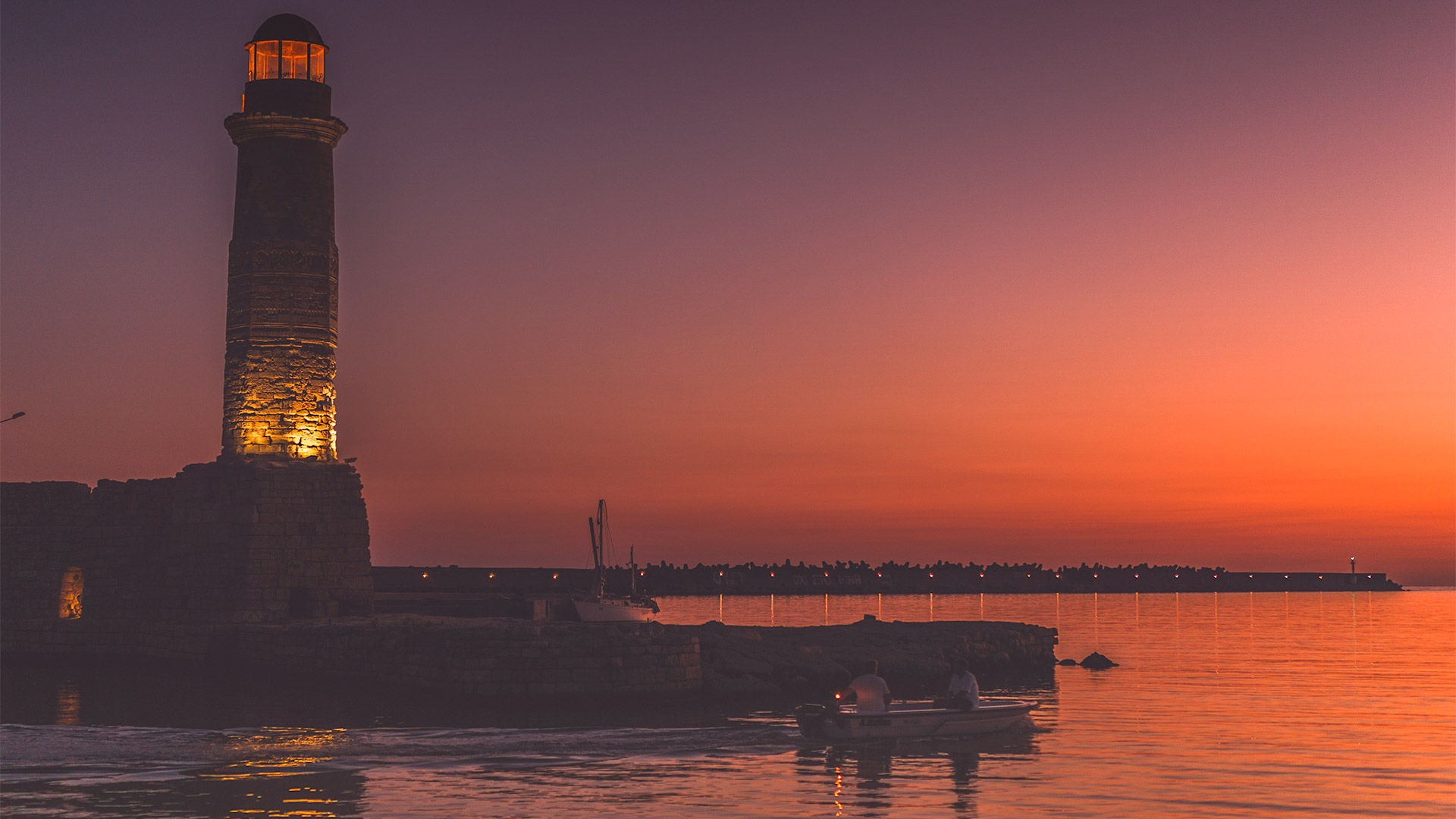 The original lighthouse has been replaced by one built by the Egyptians during the 1830s