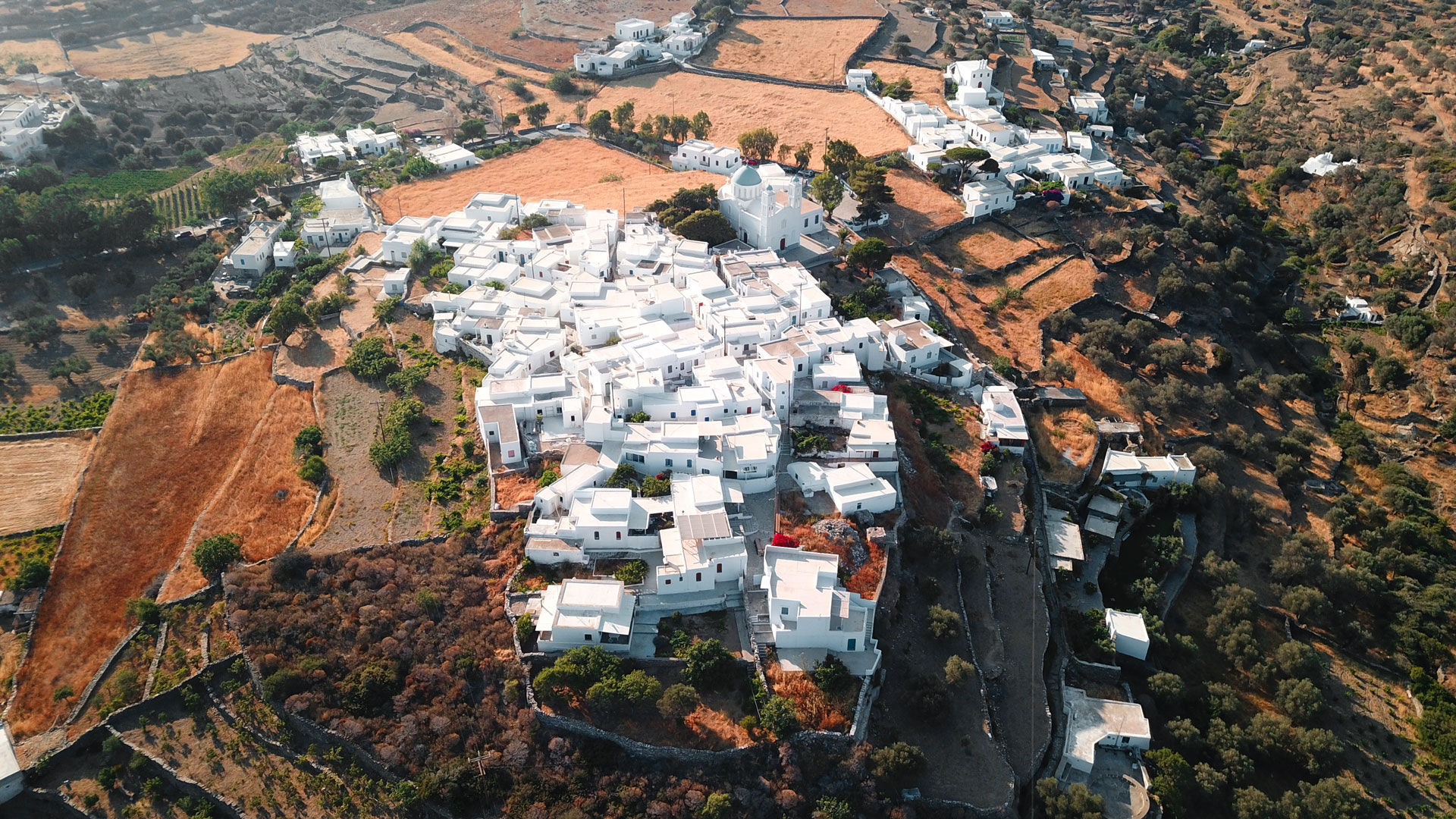 What greater invitation can there be to explore Apollonia, the main town of Sifnos, than the sight of all those little whitewashed houses speckled on the mountainside