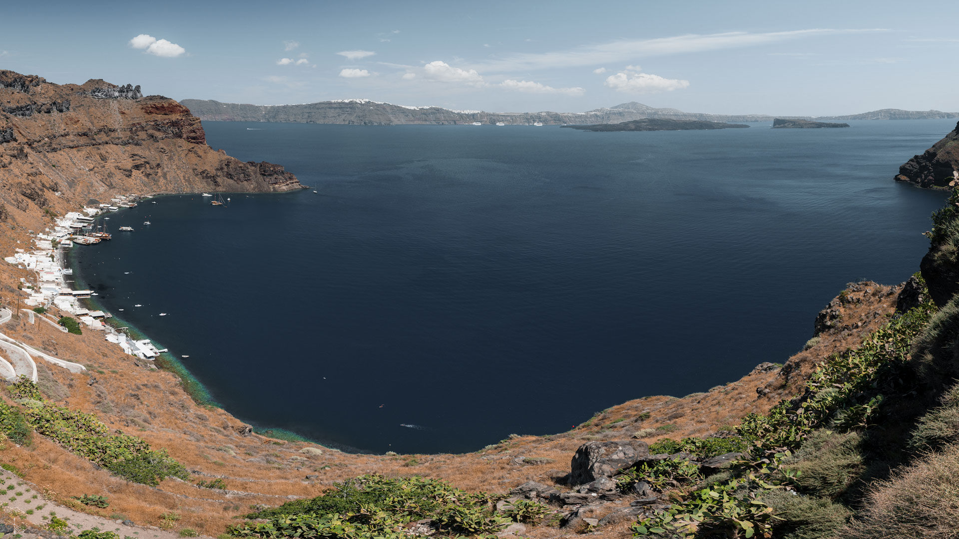 Panoramic view on Aegean sea from Manolas village on Thirassia island