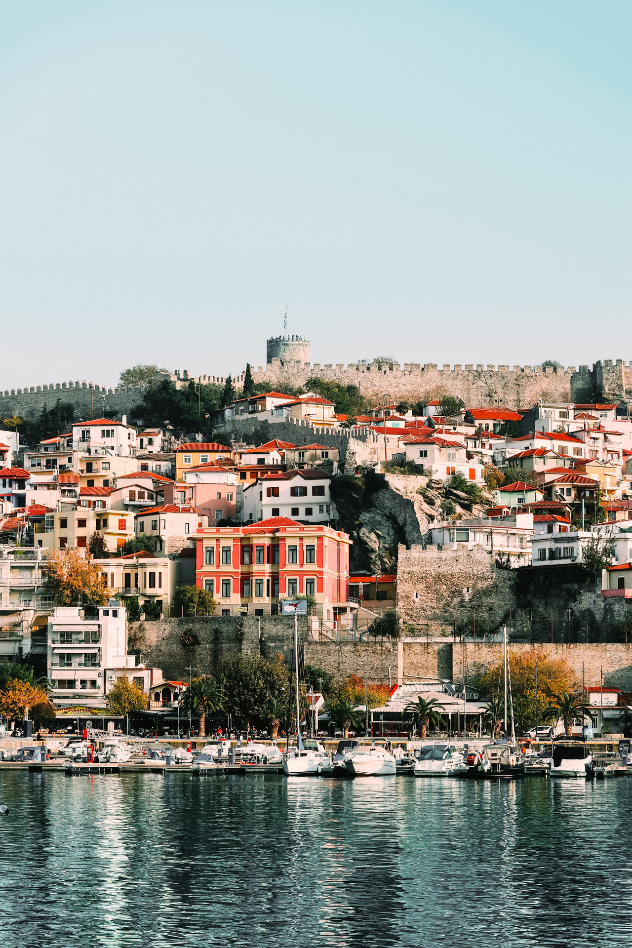 The peak of the peninsula on which the Old Town's Panagia district is built is dominated by the Acropolis of Kavala