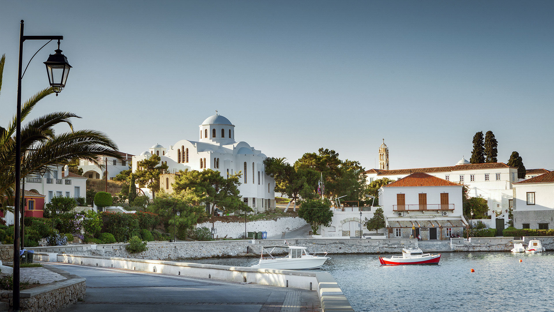 Church in the port of Spetses island