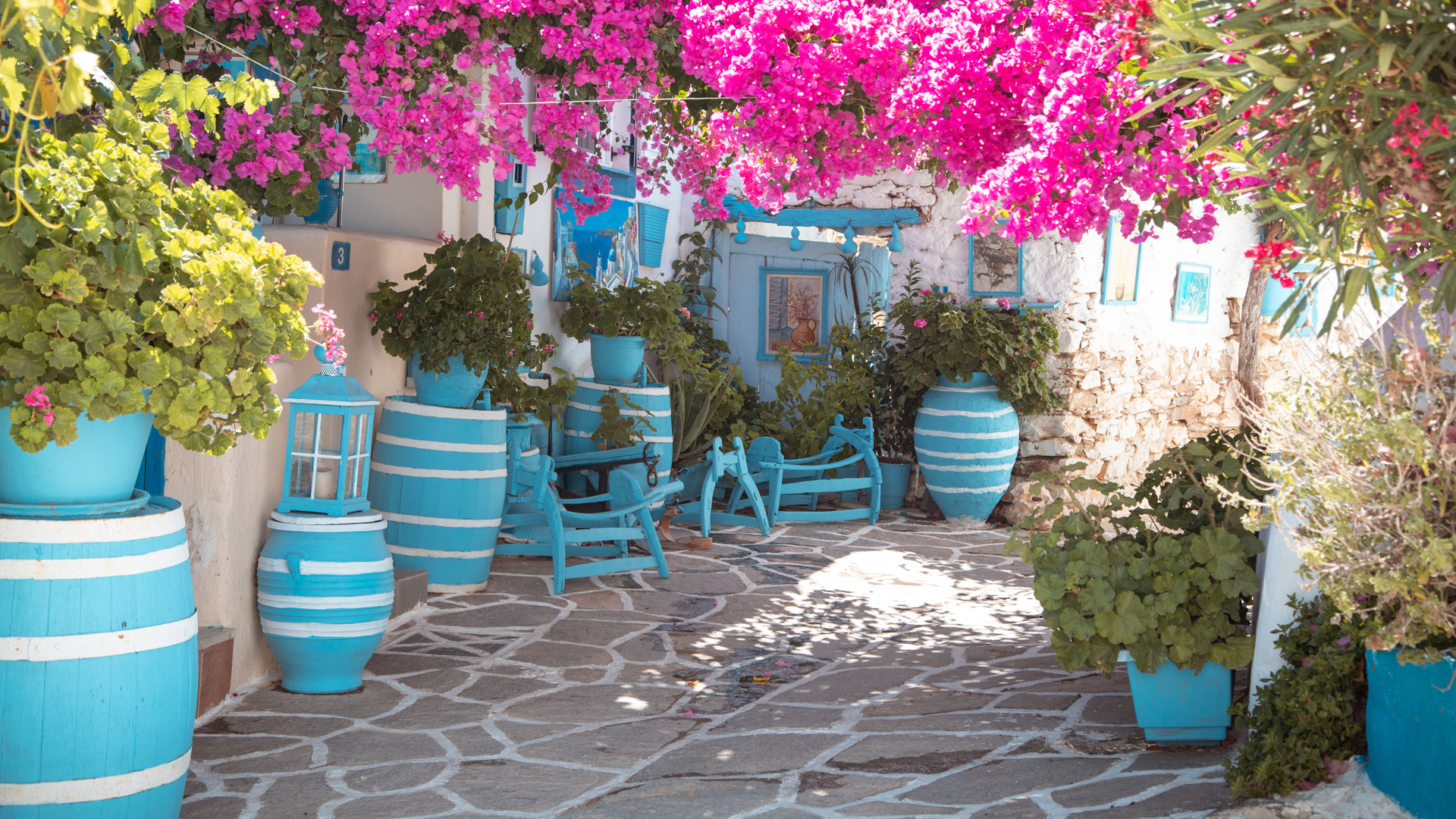 Walk in the streets and admire the small traditional Cycladic homes at Prodromos village