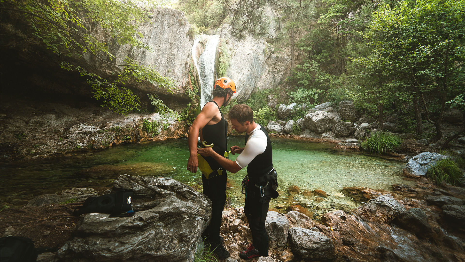 Canyoning is an experience accessible to all levels (from absolute beginner)