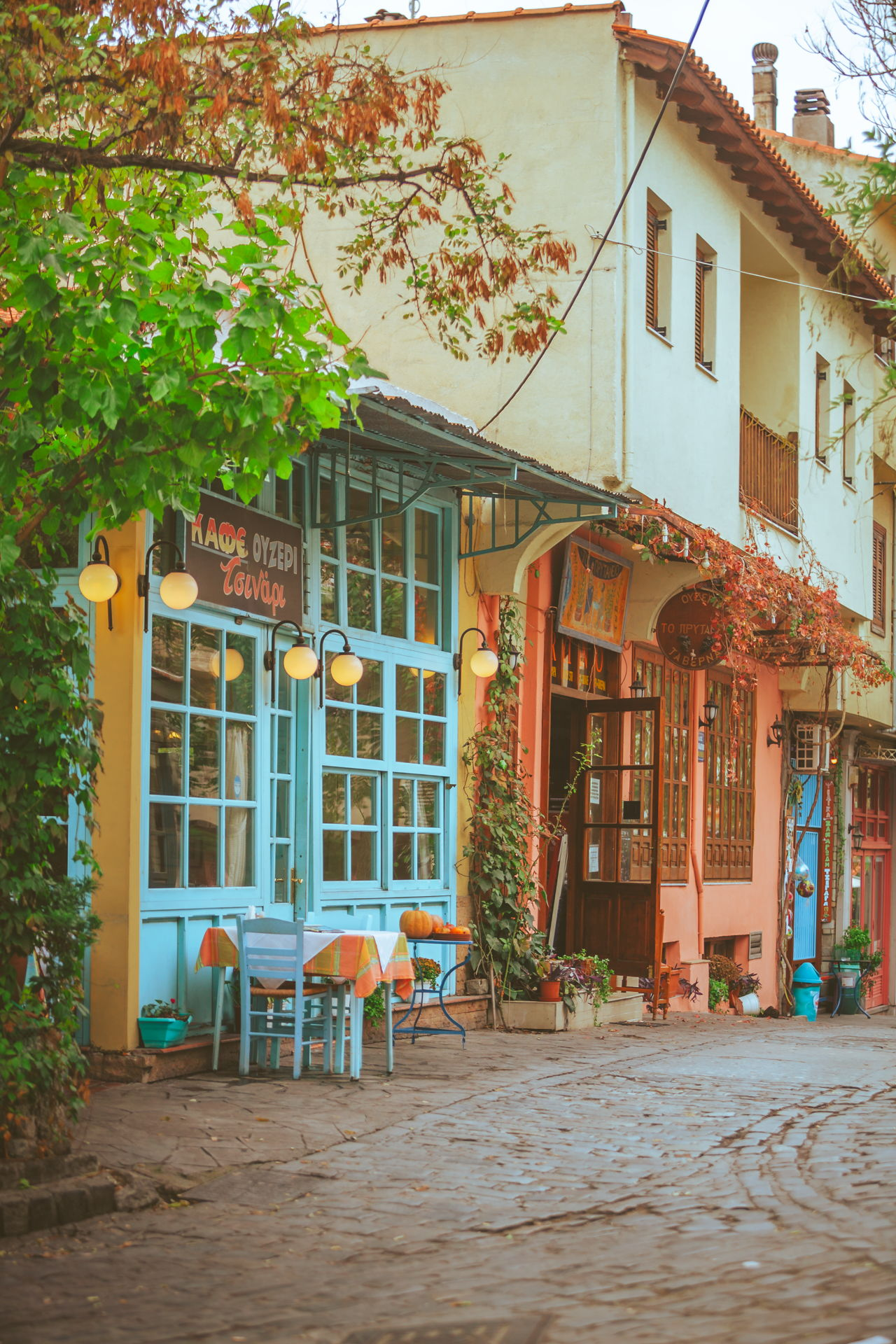 In Upper Town you will find plenty traditional tavernas