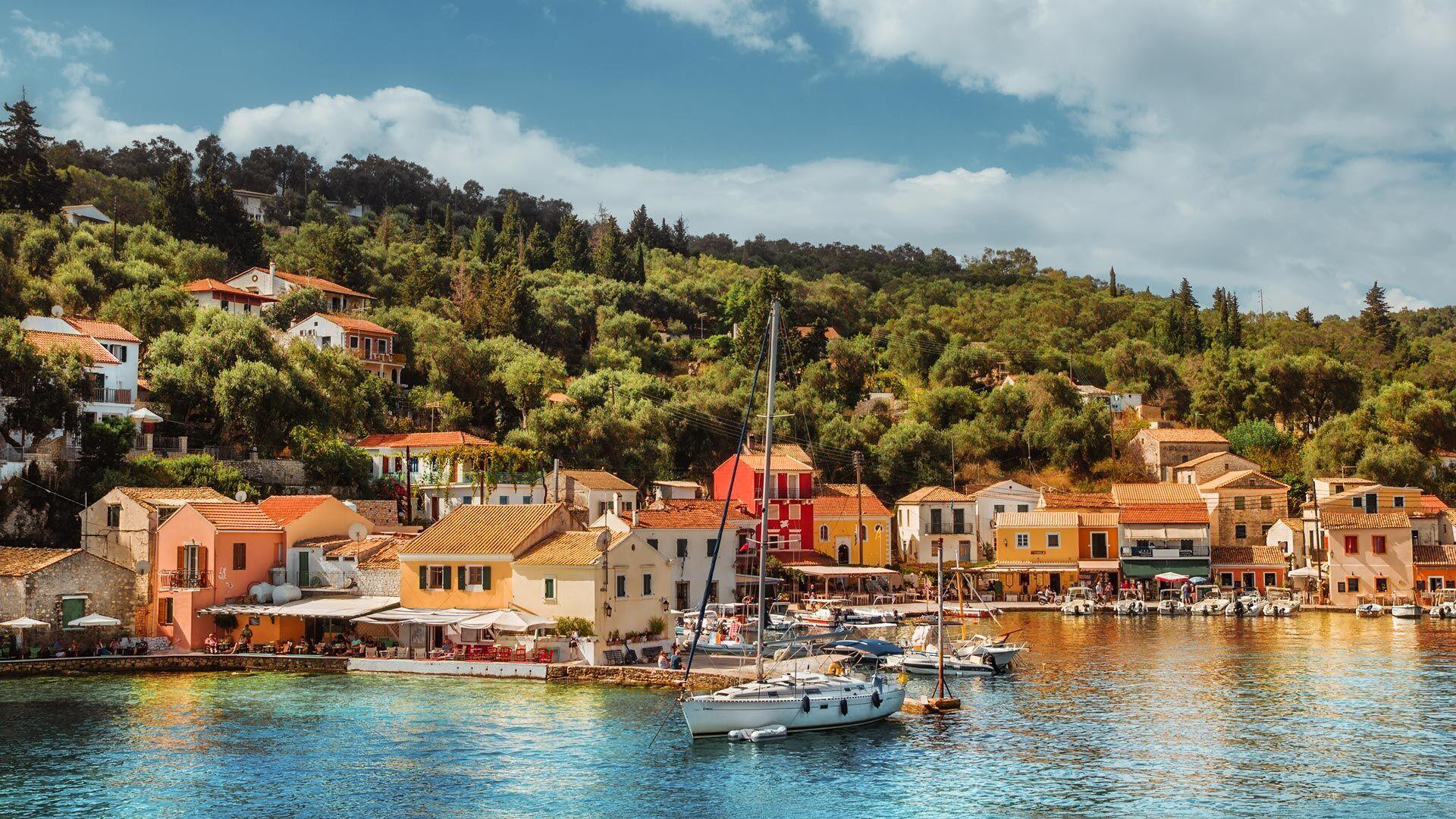 Paxos Cartina Geografica.Senti Il Battito Del Cuore Di Paxos Andando A Spasso Tra I Suoi Villaggi Cultura Discover Greece