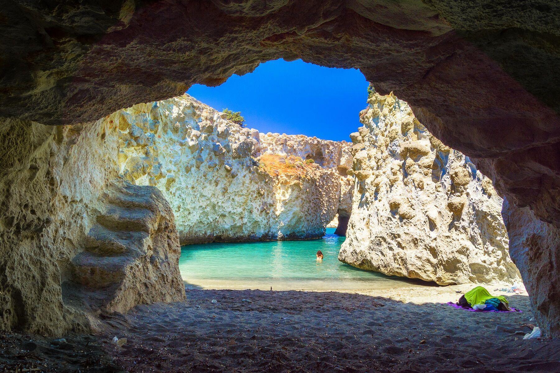 8 λόγοι που θα σε κάνουν να πεις ότι η Μήλος δεν υπάρχει! | Discover Greece