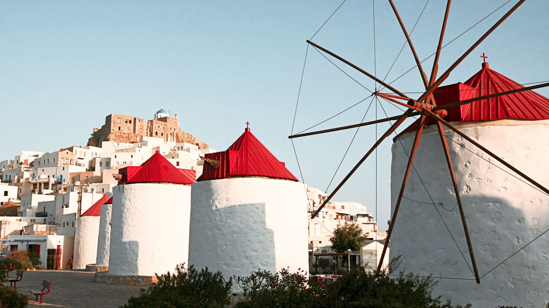 Reaching the central square of Hora, you are going to admire the town's eight windmills