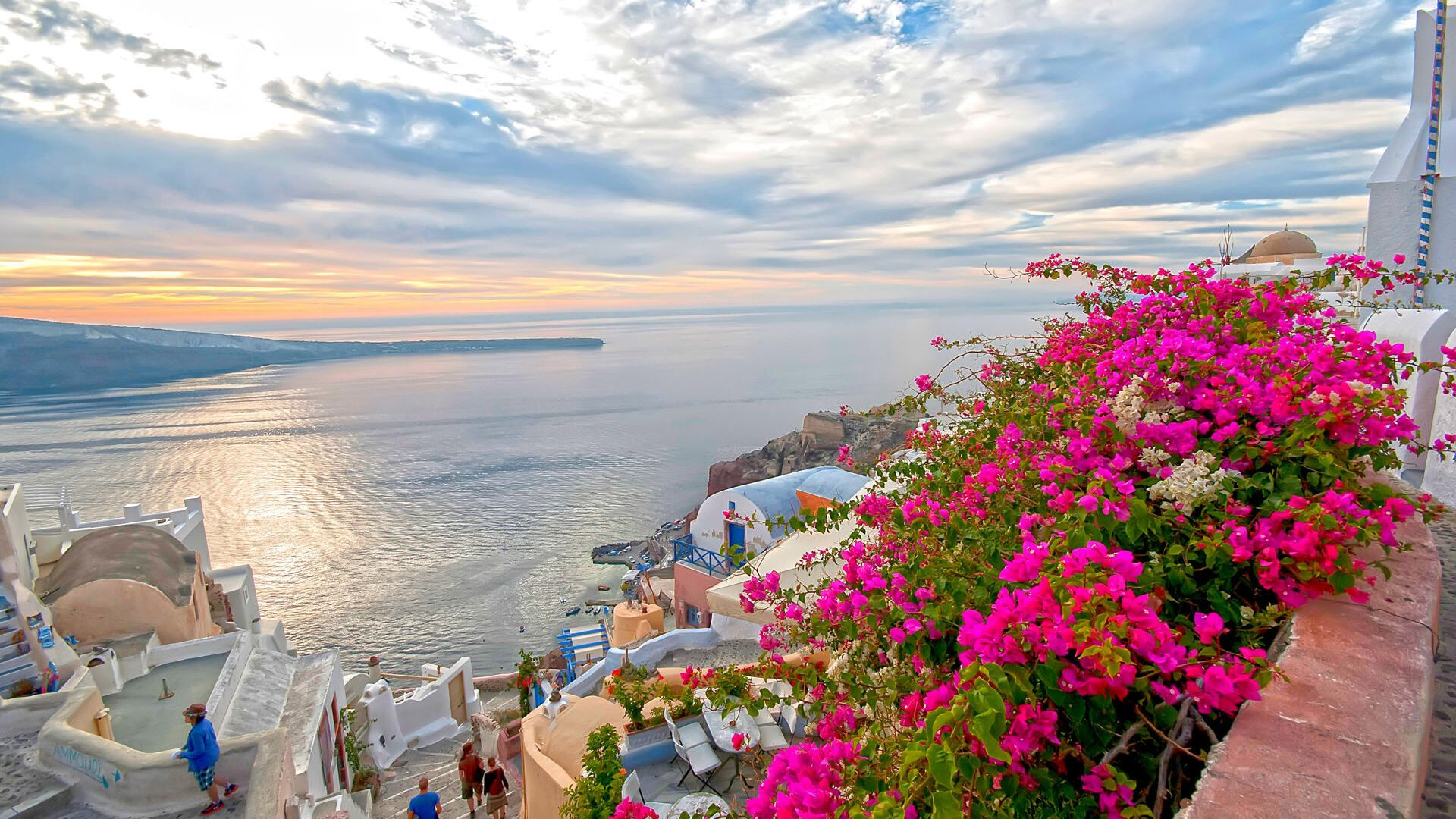 Famous for it's beautiful and romantic sunsets , Oia in Santorini
