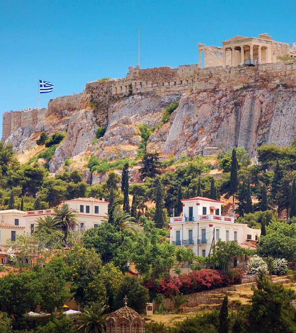 اثينا عاصمة اليونان  1-the-acropolis-hill-in-athens_istock_000044148298