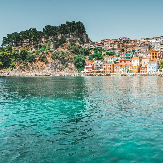 Parga will make you feel as if you are actually on an island thanks to its waterfront location, picturesque alleys and architecture