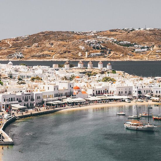 A walking tour through the Hora of Mykonos