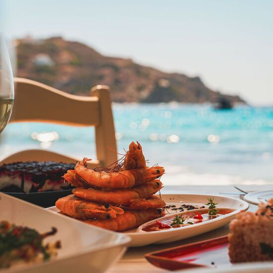 Fresh seafood and deliciously presented local dishes at Kini beach