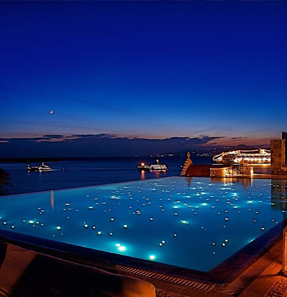 Luxurious villas and suites in Mykonos