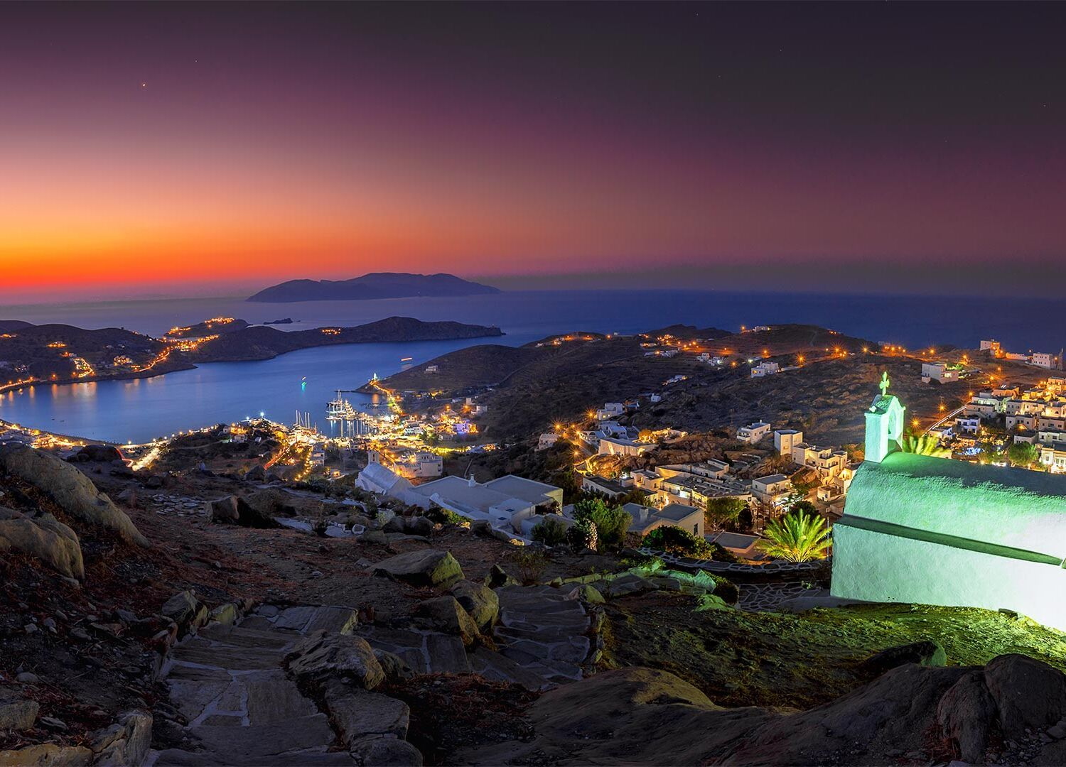 The Church of Panagia Gremniotisas can be found at the highest point of Hora offers perhaps the best view, especially at sunset