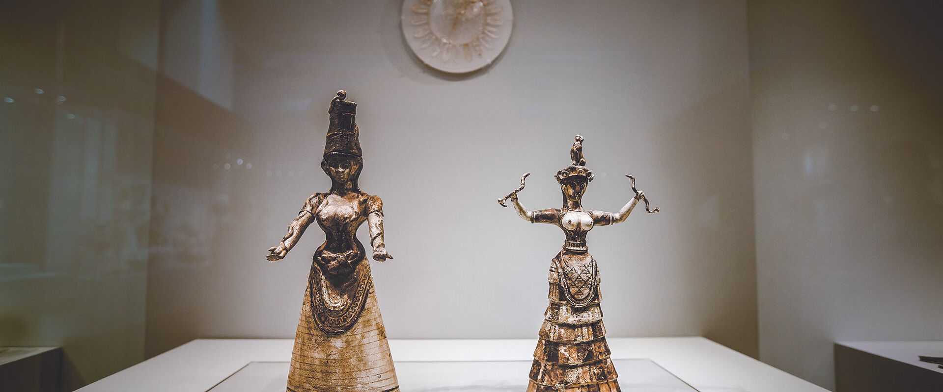 Snake Goddess figurines, Archaeological Museum of Heraklion