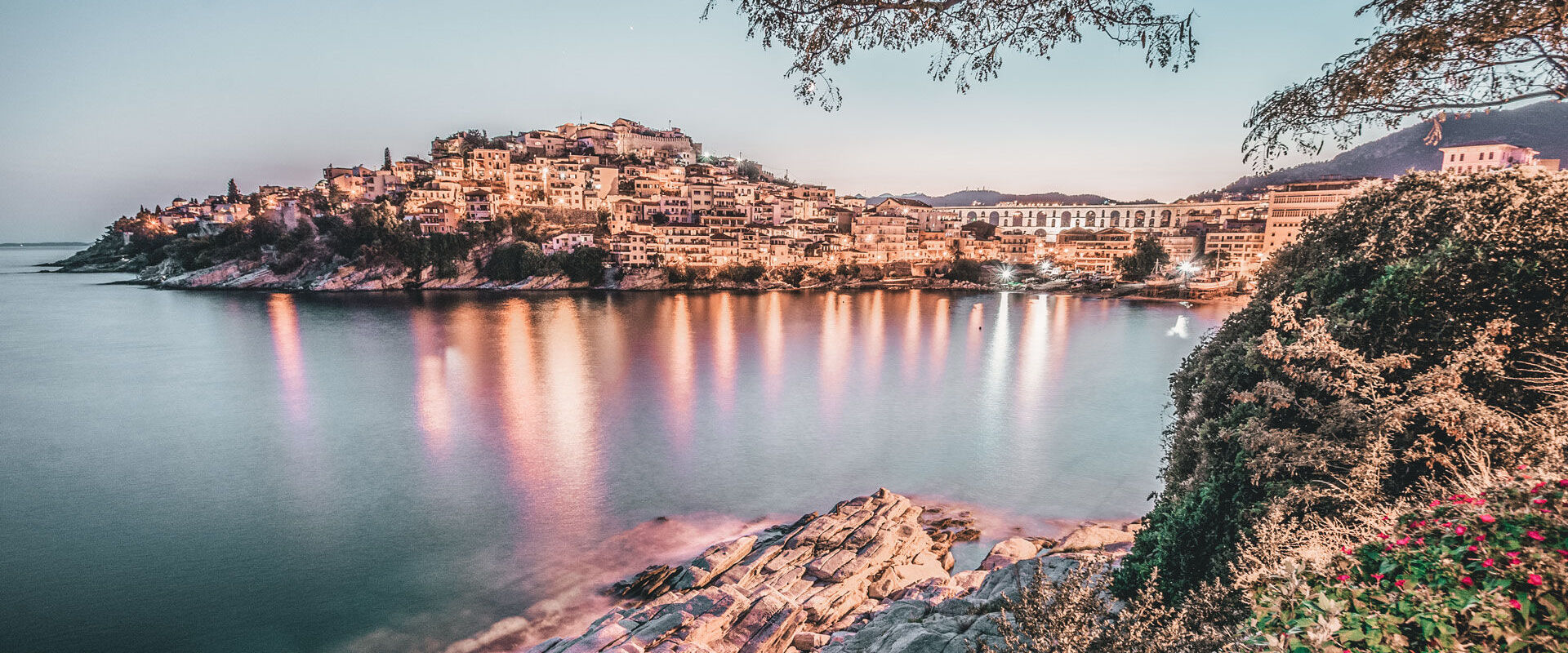 Night view of Kavala's Acropolis, Old Town and Kamares
