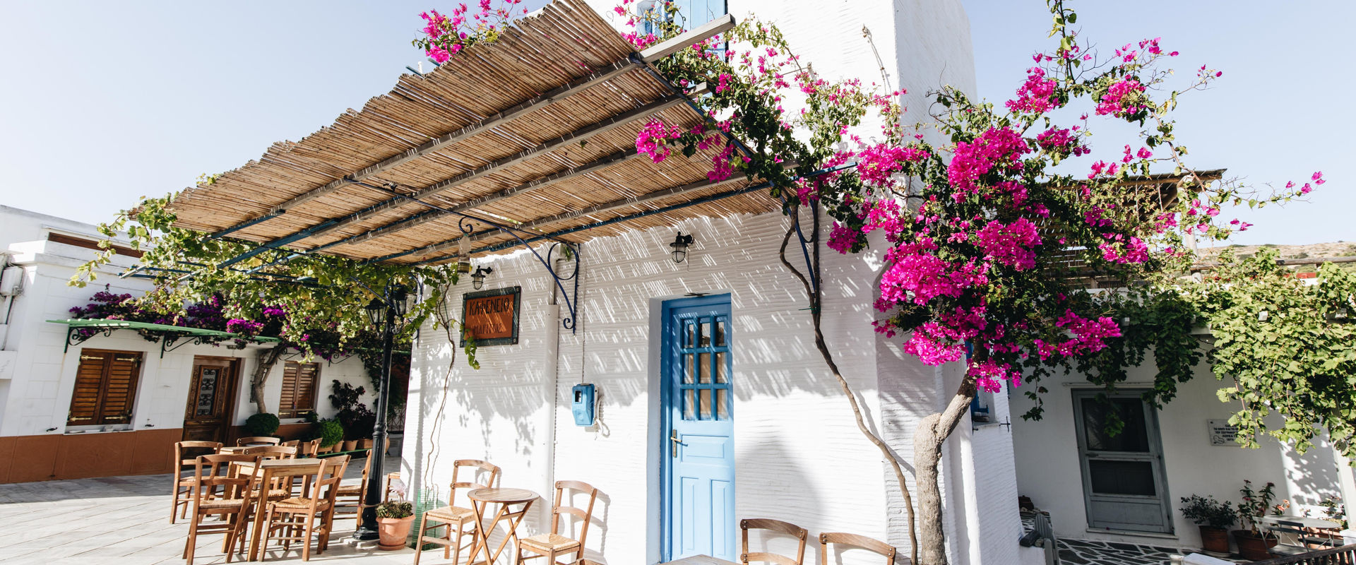 The fantastic vibe of Paros blending style and tradition