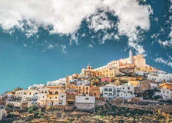 A walking tour of wonderfully preserved Ano Syros