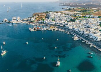A walking tour of Antiparos' quiet and quaint Hora