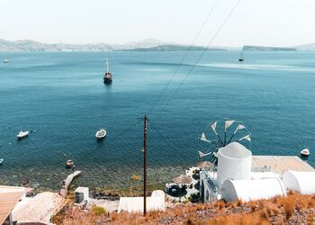 A boat trip to Thirasia, the Santorini of 50 years ago