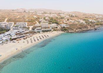 Holen Sie sich das Beste aus dem legendären Strandleben von Mykonos heraus