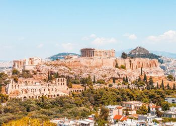 The cultural wealth of Athens revealed in a stroll
