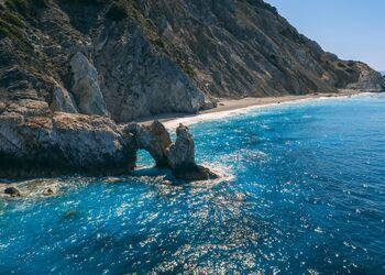 Eine Bootsfahrt zum abgelegenen und wilden Lalaria-Strand von Skiathos