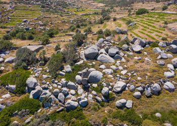 Descubre las rutas de senderismo en Tinos