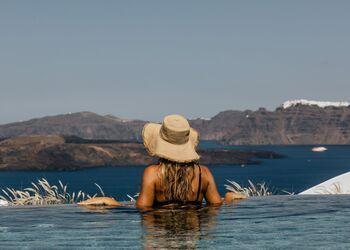 Αkrorama Villa and Suites Santorini