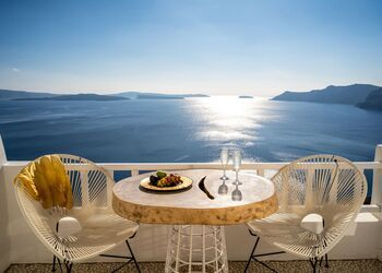 Delfini Hotel Santorini