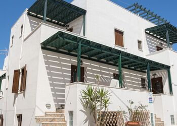 Depis Place and Apartments Naxos