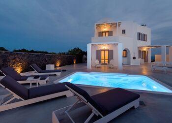 Hemera Holiday Home Villa in Santorini