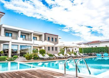 Lagaria Hotel & Apartments***