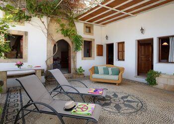 Meandros Villa & Suites