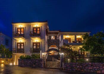Paraliako Hotel Kyparissi