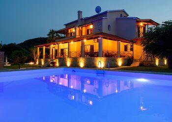 Grand Villa Roubana