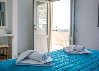 Sail Inn Apartments Santorini